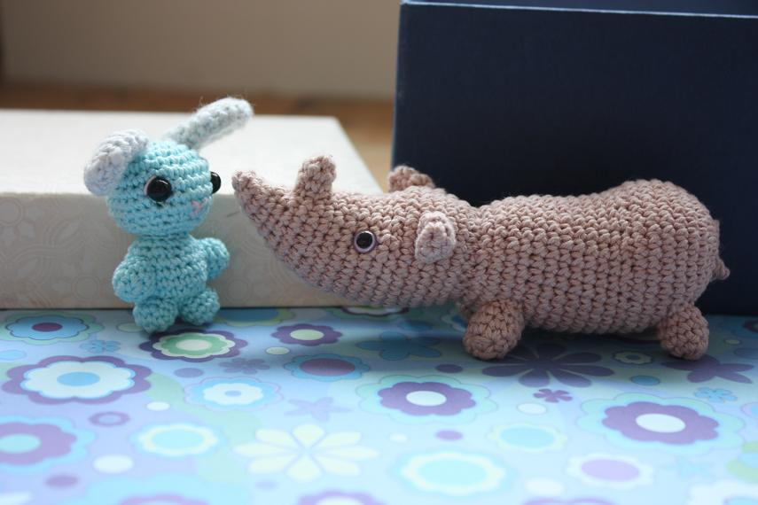 HAPPYAMIGURUMI: Amigurumi Rhino and little Bunny