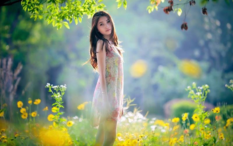 cô gái châu á
