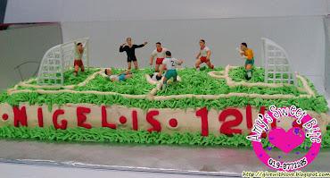 3D Soccer field cake