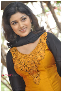 Oviya Latest Pictures in Salwar Kameez at H Productions No. 6 Movie Launch  0025
