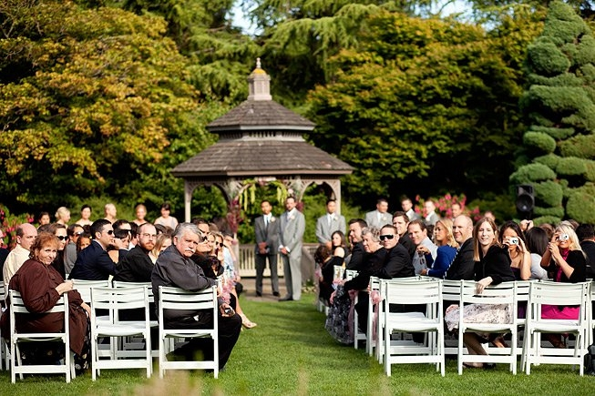 With Over 280 Vibrant Species Of Roses The Rose Garden Near Woodland Park Zoo Is Perfect Backdrop For Your Outdoor Ceremony A Picturesque Ga