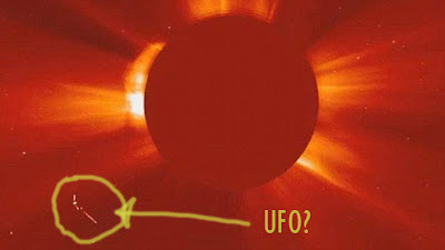 foto ufo sekitar matahari