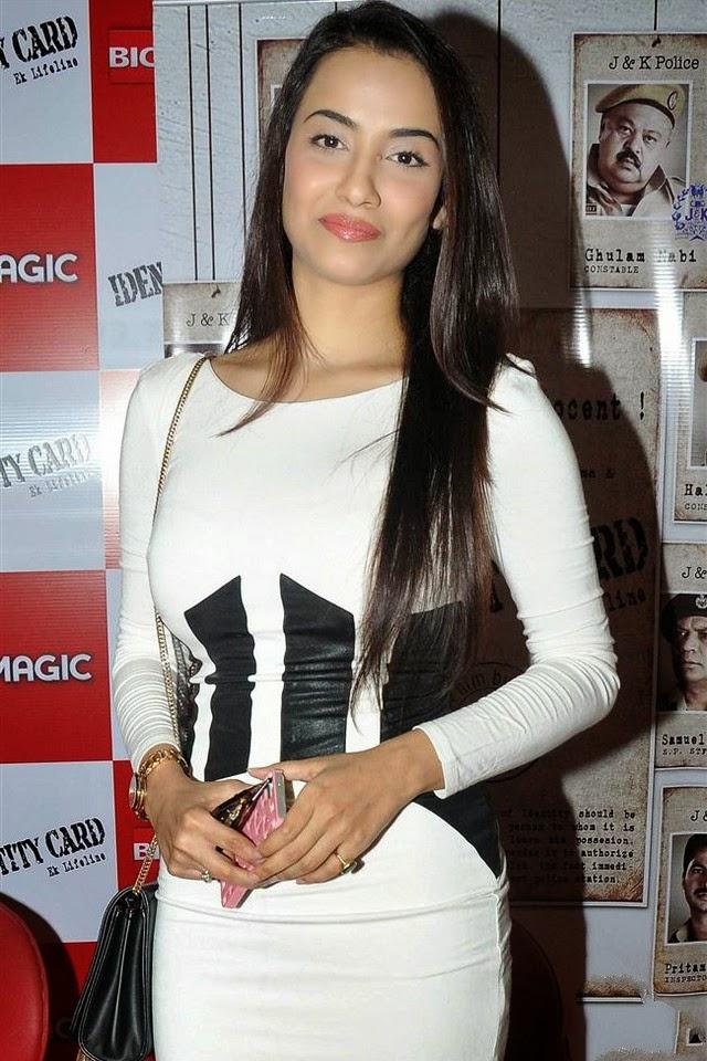 Tia Bajpai In Blue Short Dress At Film Rang Rasiya Promotions In Mumbai