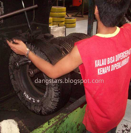 http://dangstars.blogspot.com/2014/06/divisi-lem-ban-vulkanisir-cementing.html