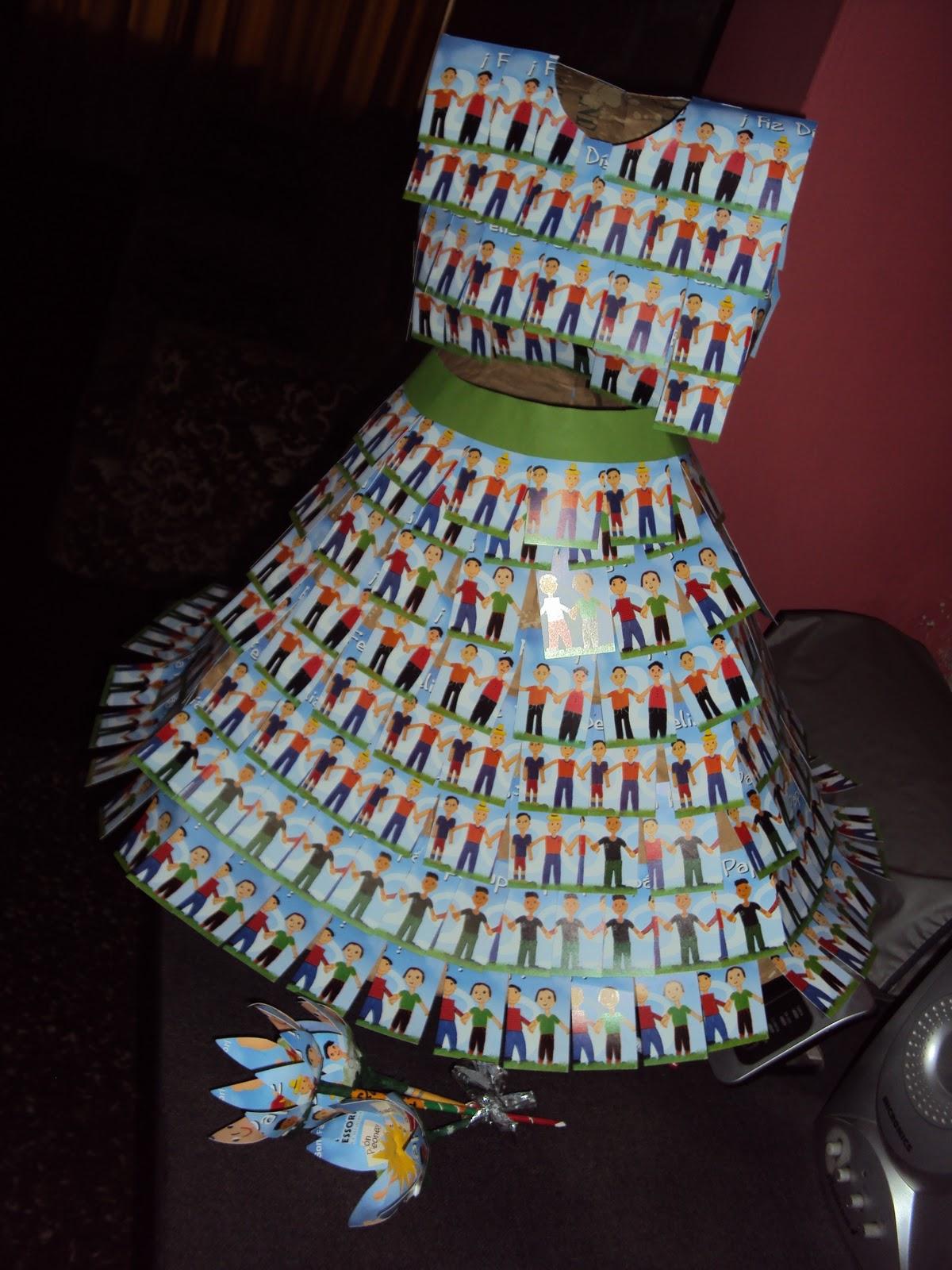 Vestido Con Material Reciclado
