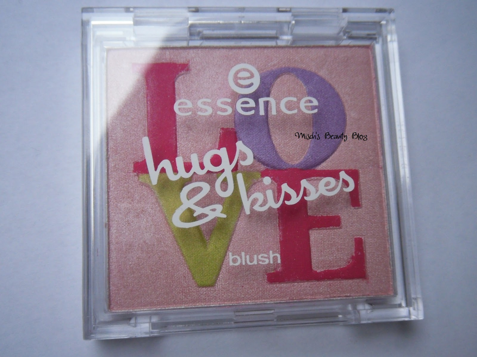 Essence Hugs & Kisses Glitter Eyeliner 02 love's out to get you ...