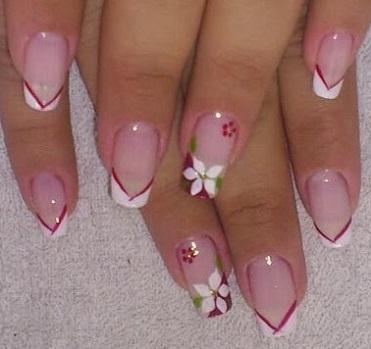 Está de moda las uñas decoradas, es impresionante la cantidad de diseños que te puedes realizar. Uno de los motivos preferidos por las mujeres son las