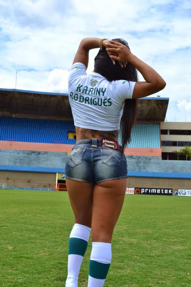 Musa do MMA de Goiânia, Kariny Rodrigues, recusa convite da Band para ser musa do Goiás.