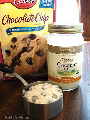 Cookie Dough Magic Shell Ice Cream Topping #recipe from @KatrinasKitchen