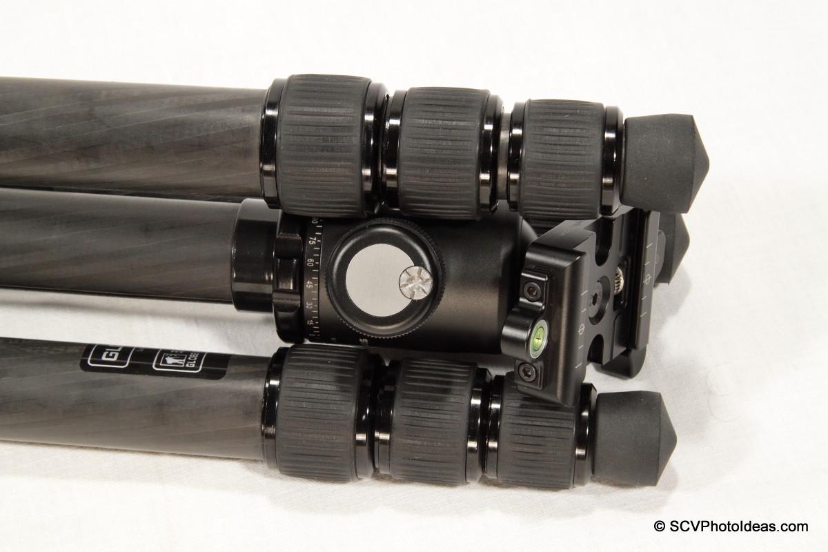 Sunwayfoto DB-36TRLR in Triopo GT-3228X-8C folded legs detail 1