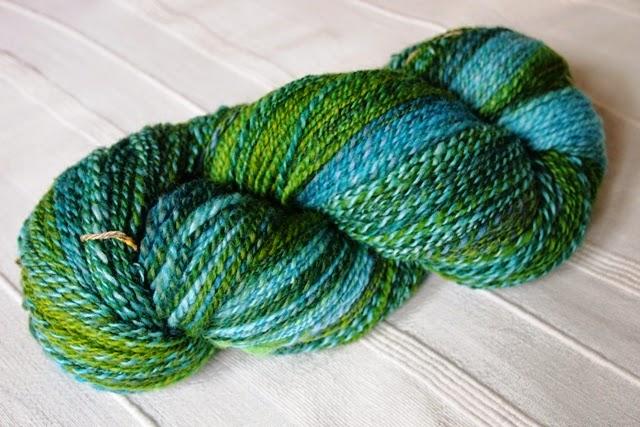 100% Corriedale Wolle gefärbt von Dibadu erstanden auf dem Wollfest 2013