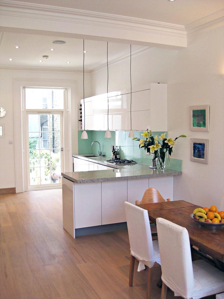 cozinha-com-piso-de-madeira