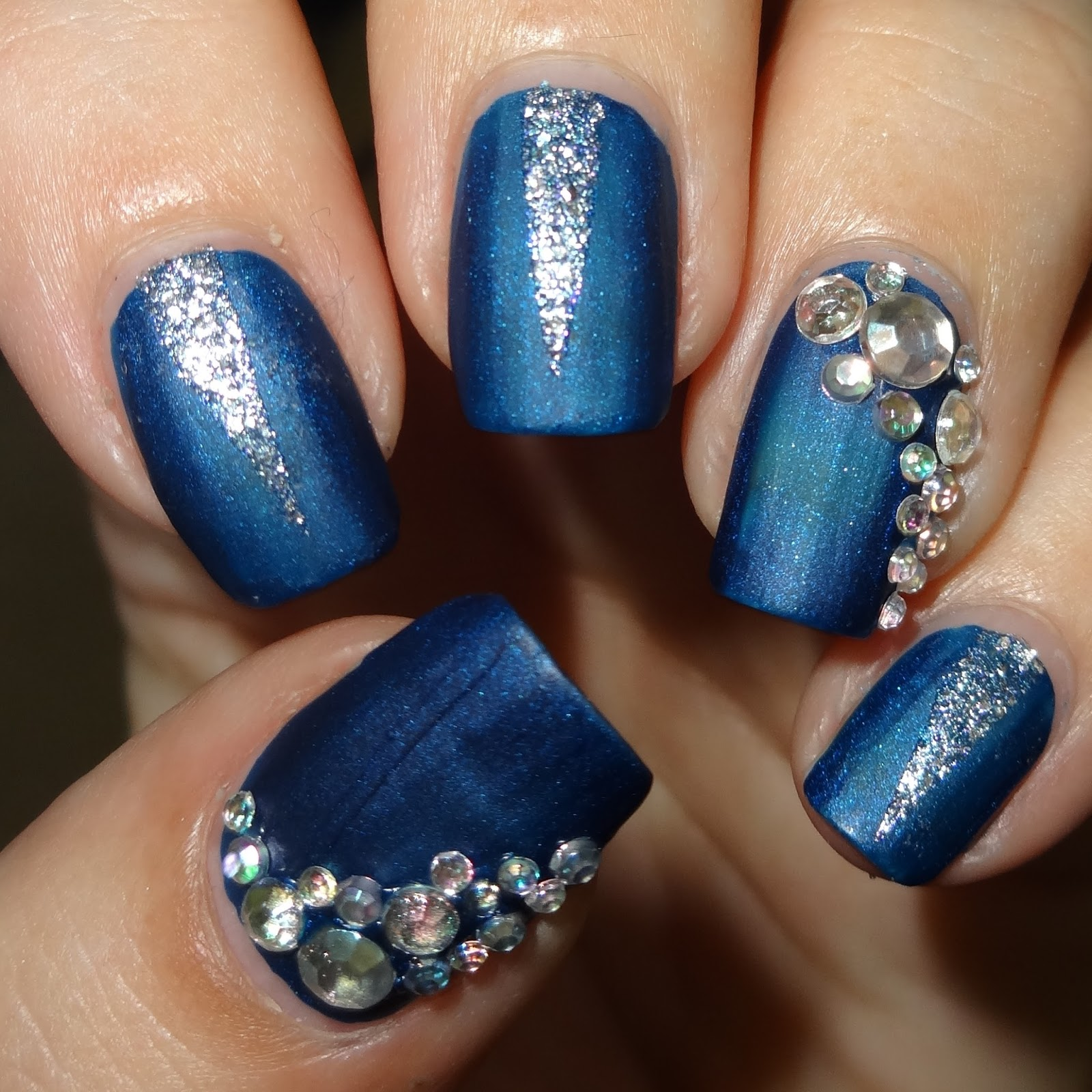 Wendy\'s Delights: Blue & Silver Mani using 3D Nail Art Rhinestone ...