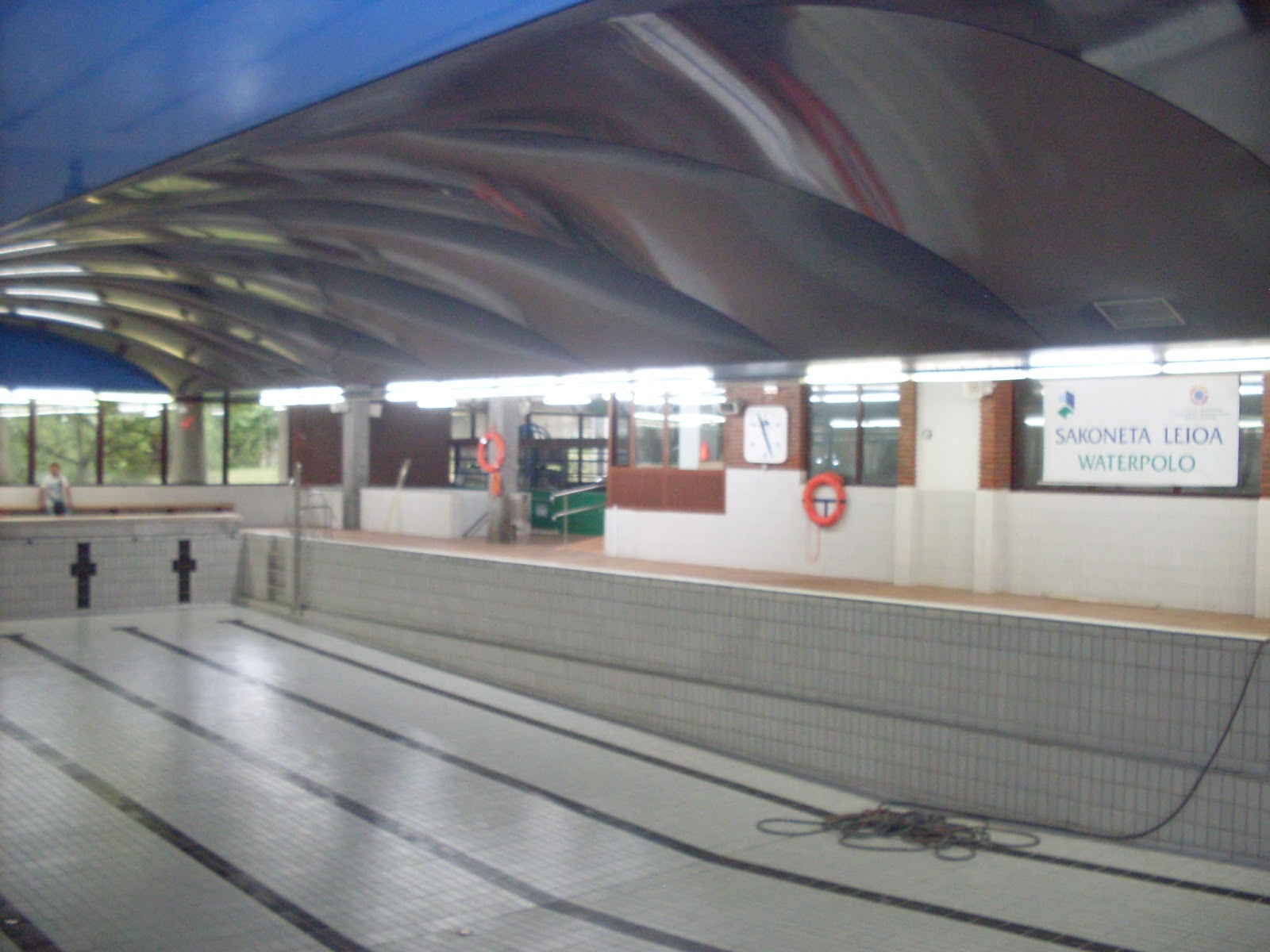 Barrelau techos tensados nueva instalacion en las for Piscinas de leioa