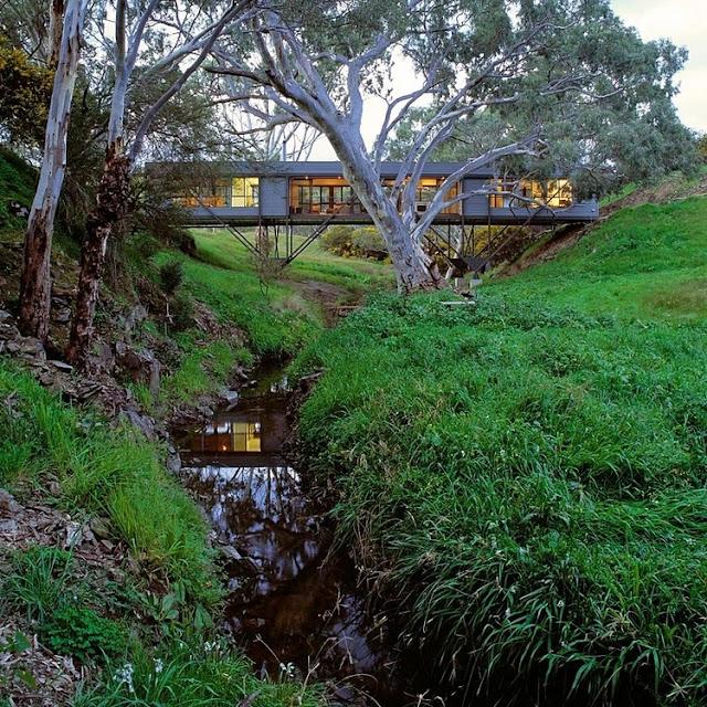 Haus im Einklang mit der Natur - moderne Architektur und Design