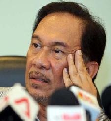 Ketua Pembangkang yang juga Ketua Umum Parti Keadilan Rakyat, Datuk Seri Anwar Ibrahim