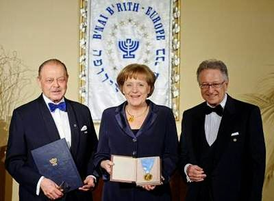 Bildergebnis für merkel honoured by by B'nai brith images