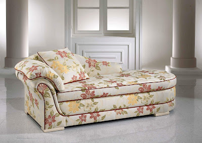 http://3.bp.blogspot.com/-dXUk6Z5_UIg/UJK7Hc9Z5UI/AAAAAAAAWpE/IlT9Y373DtM/s400/Modern+sofa+colourful+printed+fabric+sofa+designs..jpg