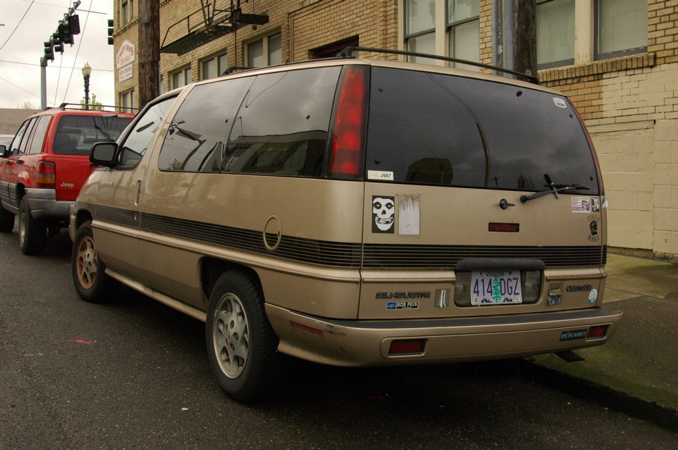 Saturday Bonus: Previously Deleted Van #2: 1990 Oldsmobile Silhouette.