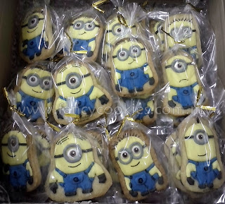fancy cookies minions despicable me