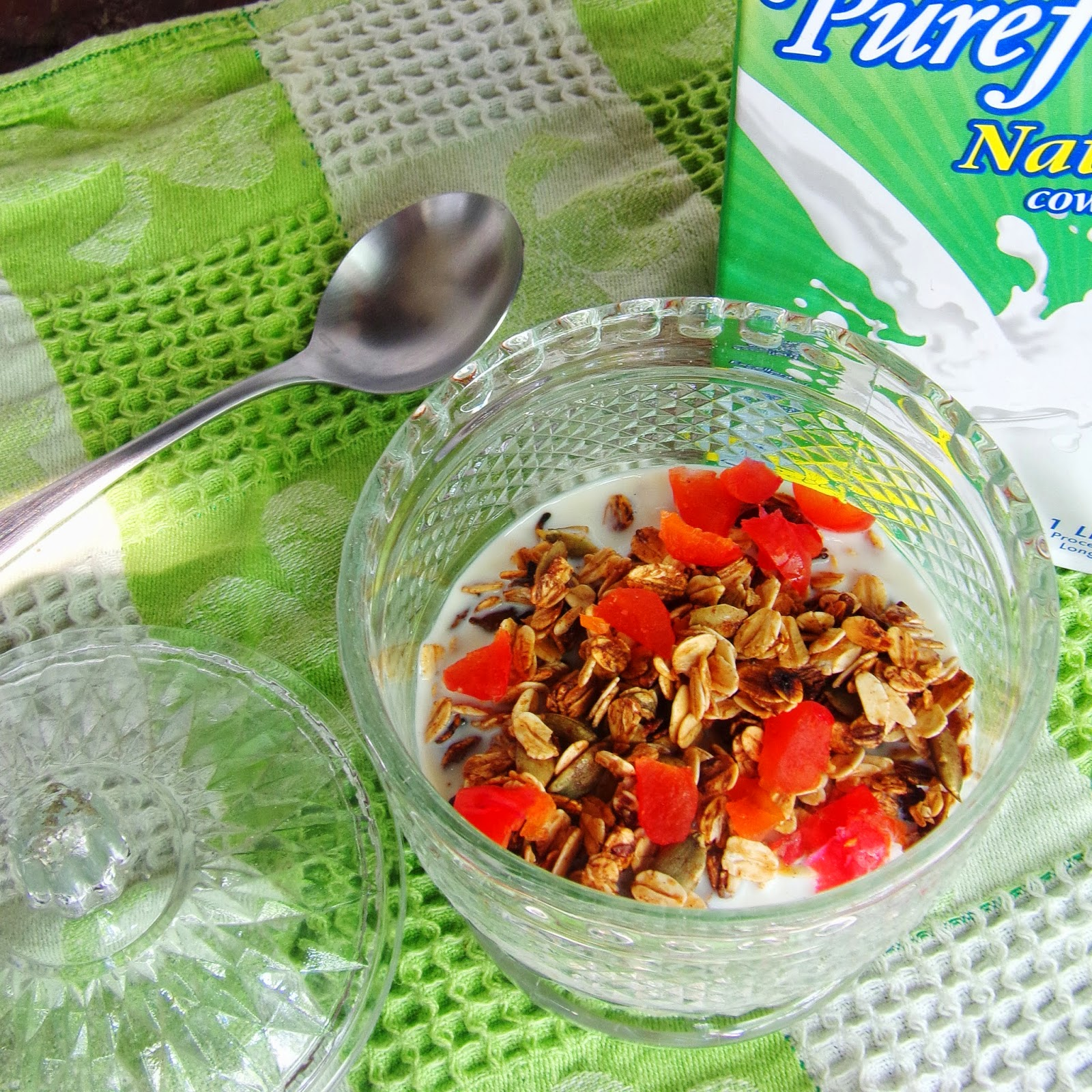 recipe for granola, low fat granola recipe, home made granola, granola recipe honey, healthy breakfast meals, quick healthy meals