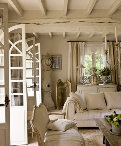 Love this classic rustic provencal look each piece has a story - D 233 Cor De Provence