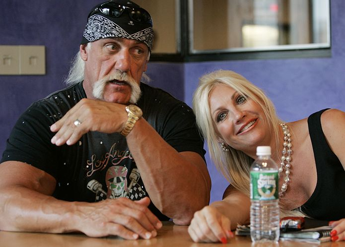 hulk dating Hulk hogan dating daughters friend published: 05042018 the lead single from the album,  about us , was premiered on the season two finale of hogan knows best courtney stodden insists 'i'm no bimbo' - but tells dailymailtv her marriage ended because she wanted 'to go out and screw' other men, calls her plea to.
