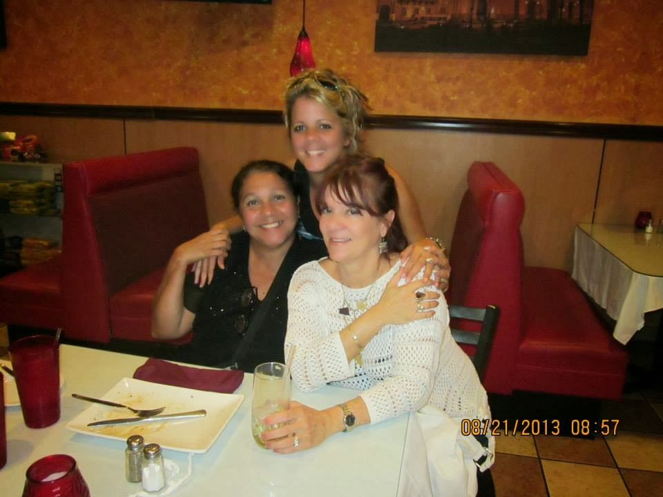 CON MI HIJA DUNIA Y MI AMIGA OLGA LIDIA