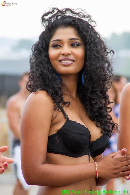 sexy srilankan girl