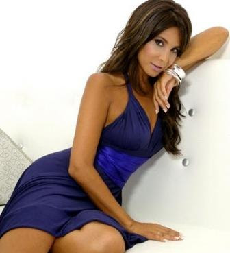 Lorena Rojas se desnuda en Revista H de Febrero de 2012.