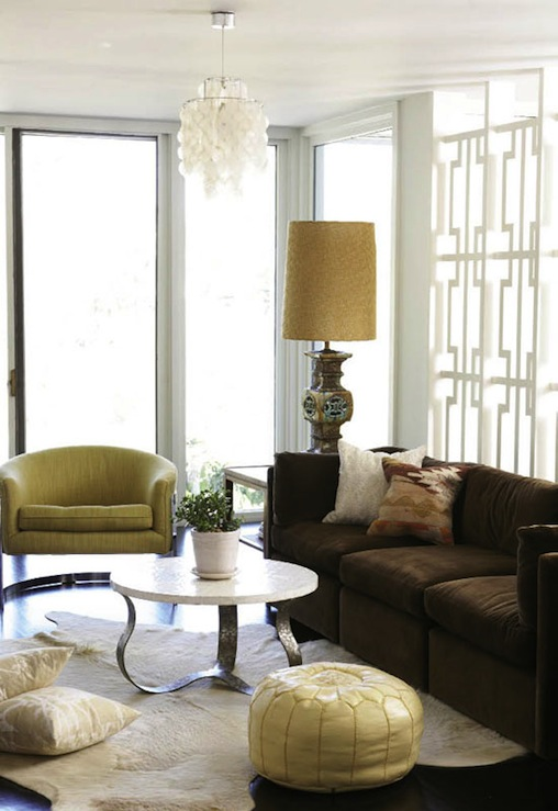 lacquer hollywood regency focuses on making the home a centerpiece