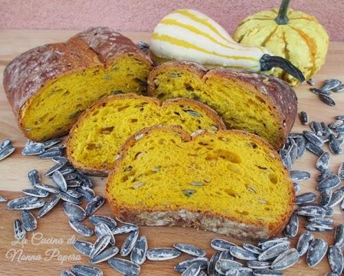 pane alla zucca con semi di girasole