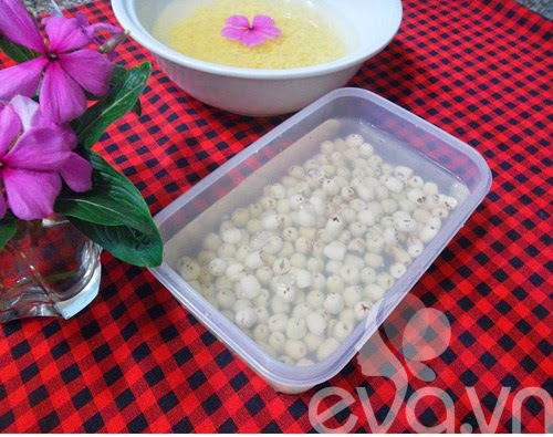 Cách nấu chè đỗ xanh hạt sen giải nhiệt xua tan mệt mỏi 3