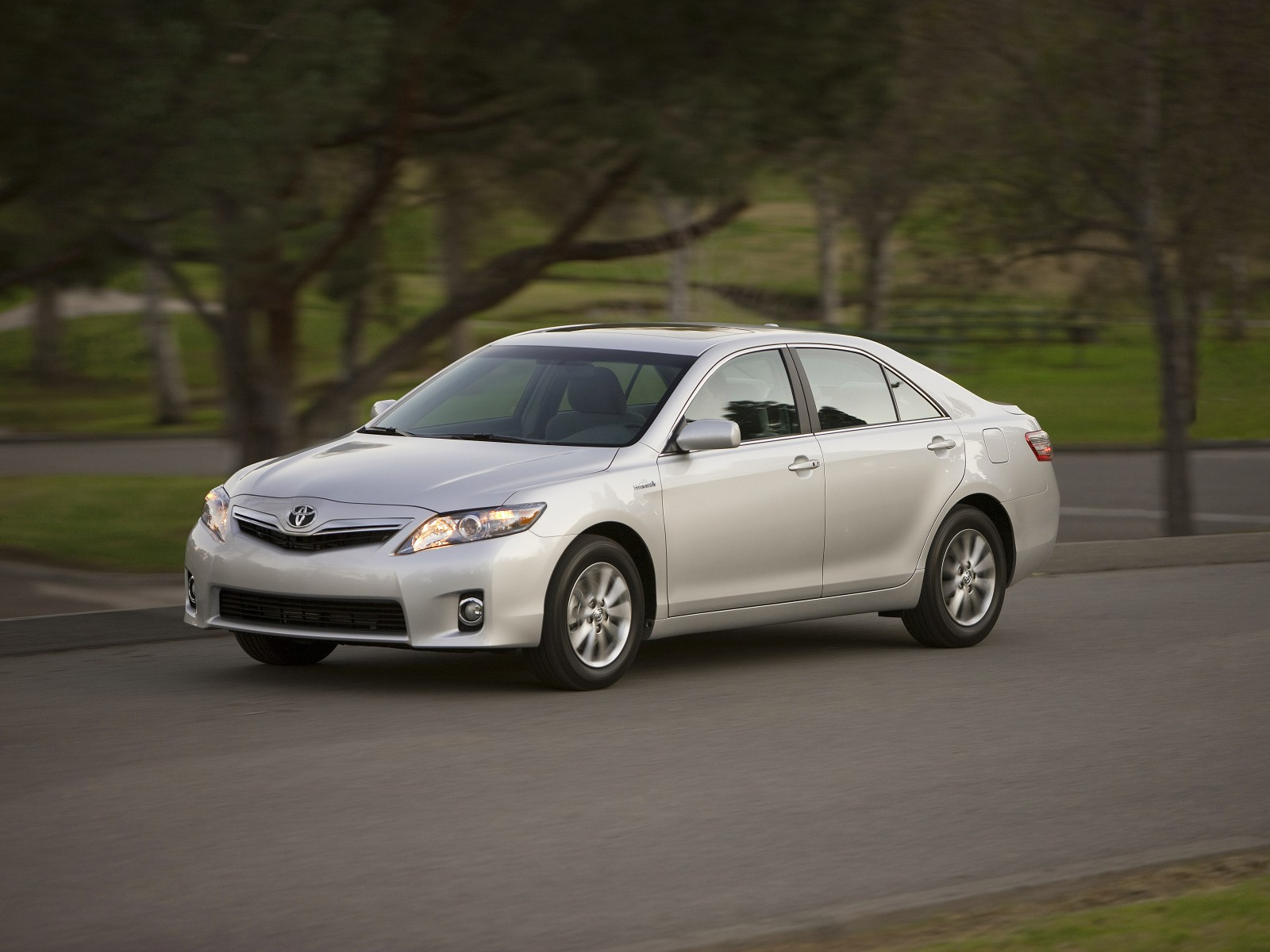 2010 toyota camry hybrid pictures. Black Bedroom Furniture Sets. Home Design Ideas