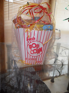 http://www.kernelseasons.com/product/popcorn-party-kit-gift-sets/37-8-seasoning-gift-basket.html