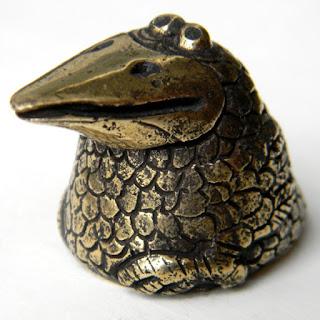 """Кулон - статуэтка """"Ворона"""" бронзовые украшения статуэтки"""