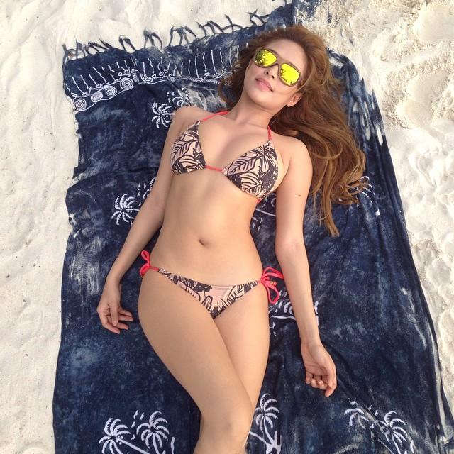 valerie bangs garcia sexy bikini pics 01
