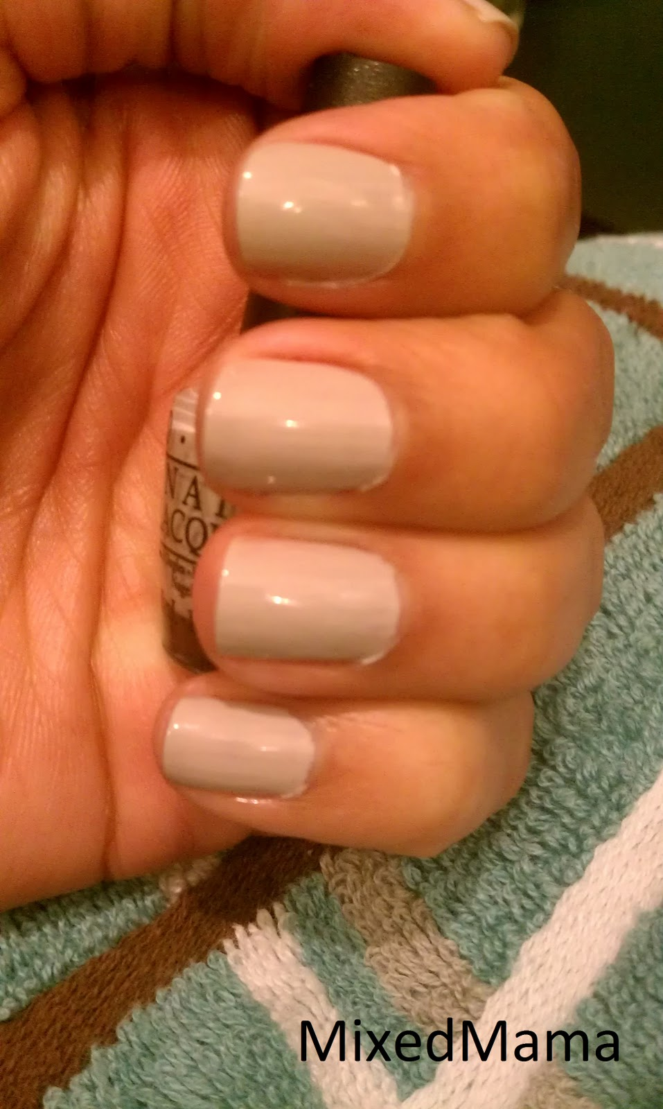 MixedMama: NOTD: Newspaper Nails!!