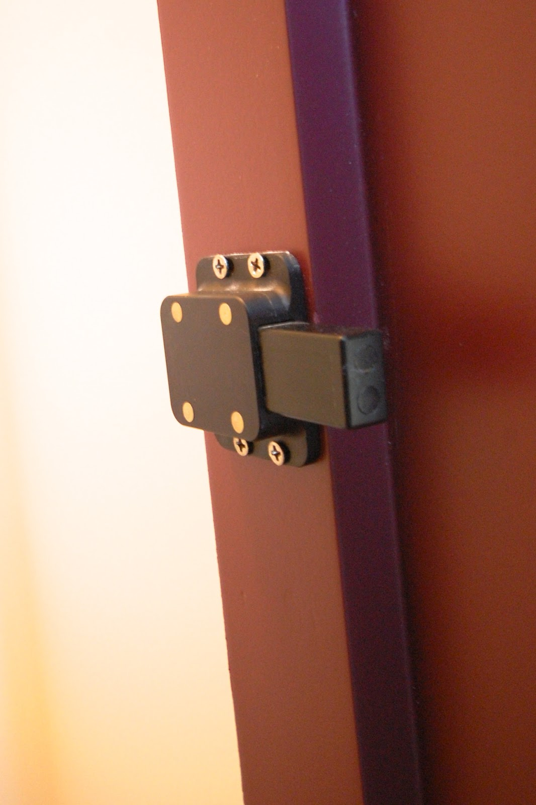 St Louis Designs Industrial Touch Latch (Magnetic)