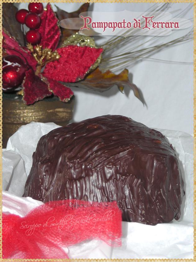 Dolce di Natale di Ferrara con frutta secca spezie e canditi
