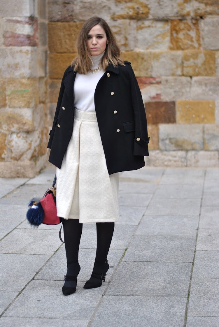 Wool white skirt