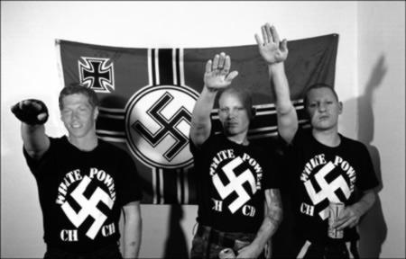 http://3.bp.blogspot.com/-d_2OwAuw2TM/UKLy30bHj7I/AAAAAAAAADM/XRsydW9WXuc/s1600/Neo_Nazis_1.jpg