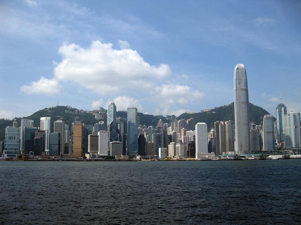 http://3.bp.blogspot.com/-d_4929ZzOCk/TiHb8HK1bgI/AAAAAAAAAUU/-S1OdeLYHYg/s1600/hong-kong-skyline-1.jpg