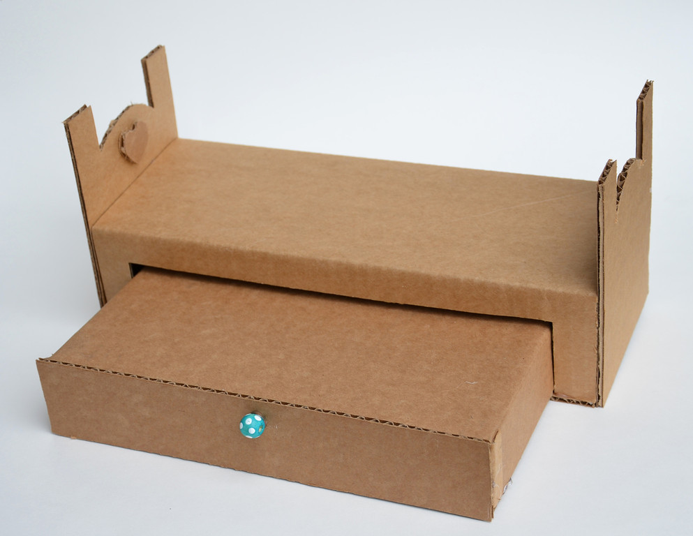 Koradecora camas y casas con carton for Casa y cama