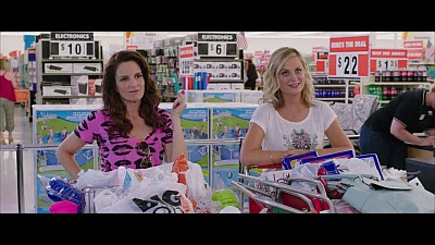Sisters (2015 / Movie) - Trailer - Screenshot