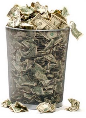 dinero tirado a la basura