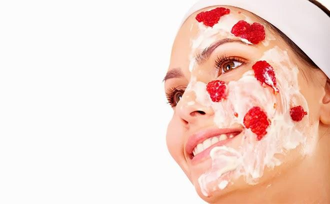 Las mascarillas de fresa tienen muchos beneficios como ser regenerante, hidratante, antioxidante, etc.