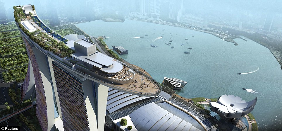 Amazing pictures 4bn marina bay sands resort singapore for Amazing luxury hotels