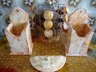 marmorização ou pintura  marmorizada utilizada na reciclagem de materiais