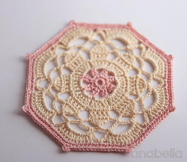 Crochet coaster beige pink model by Anabelia